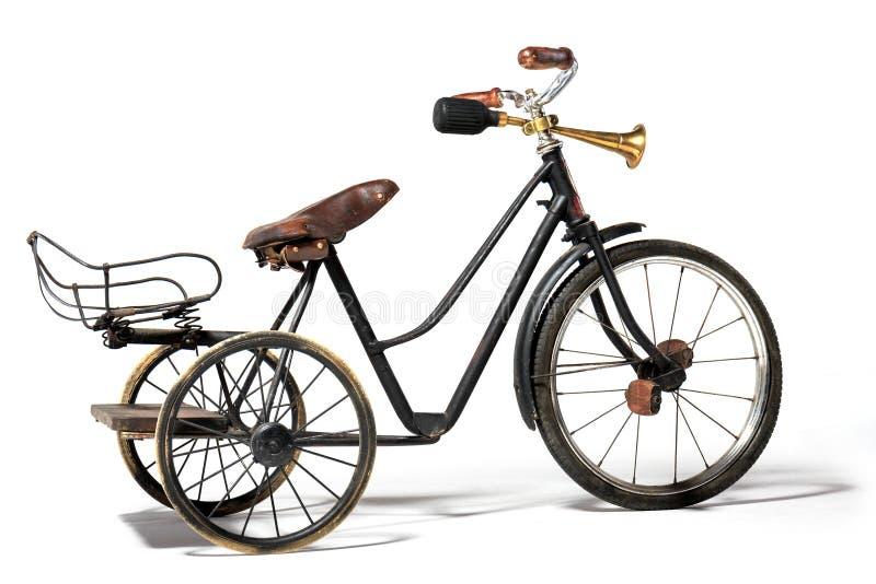 Παλαιό ποδήλατο στο αναδρομικό ύφος στοκ εικόνες με δικαίωμα ελεύθερης χρήσης