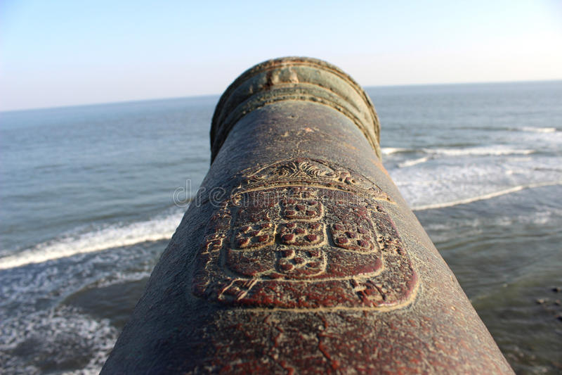 Παλαιό πυροβόλο όπλο οχυρών στοκ φωτογραφία