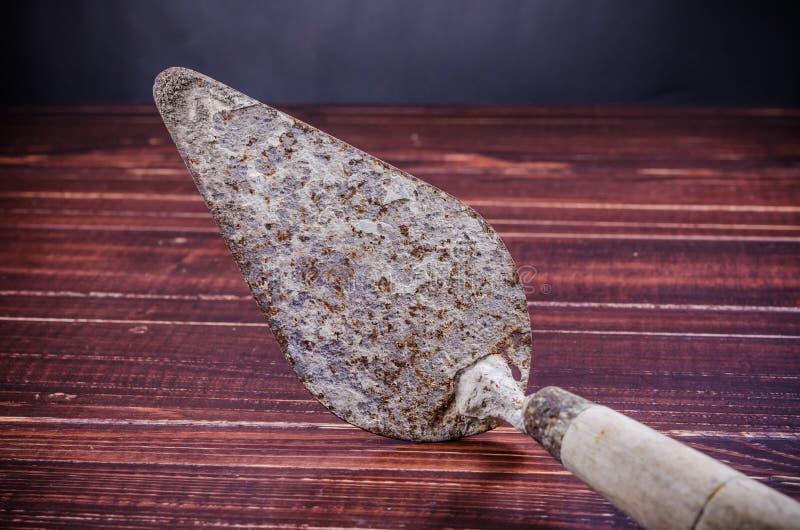 Παλαιό σκουριασμένο trowel στοκ εικόνες