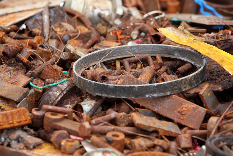Παλιοσίδερο έτοιμο για την ανακύκλωση στοκ φωτογραφία