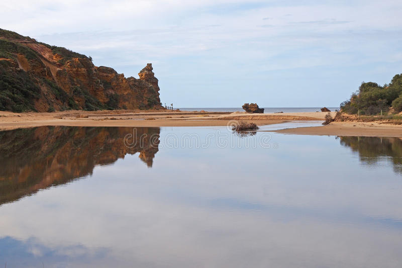Παλιρροιακή λίμνη στον κολπίσκο Βικτώρια Aireys στοκ εικόνες με δικαίωμα ελεύθερης χρήσης