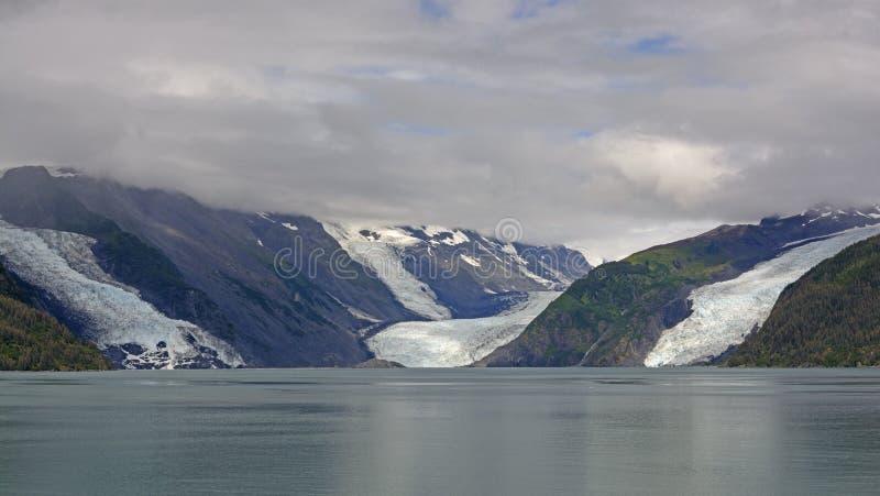 Παλιρροιακοί παγετώνες στην ακτή στοκ φωτογραφία με δικαίωμα ελεύθερης χρήσης