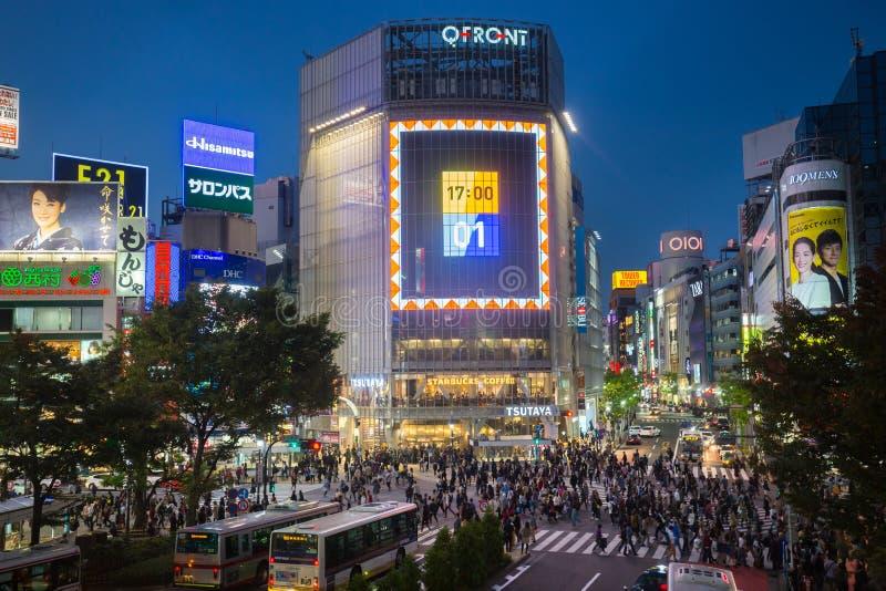 Πεζοί σε Shibuya που διασχίζουν, Tokio, Ιαπωνία στοκ φωτογραφίες με δικαίωμα ελεύθερης χρήσης