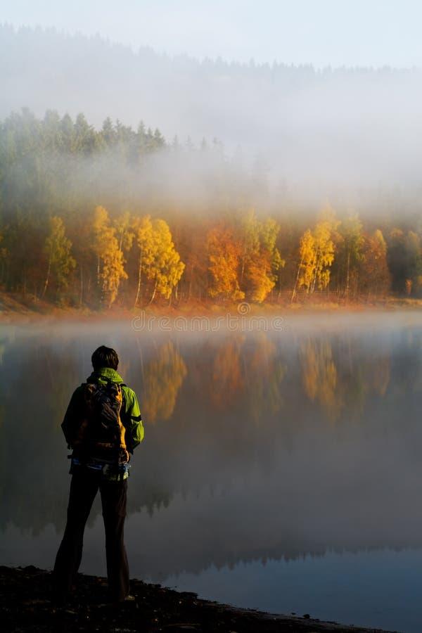 Πεζοπορία στη λίμνη 1 στοκ εικόνες