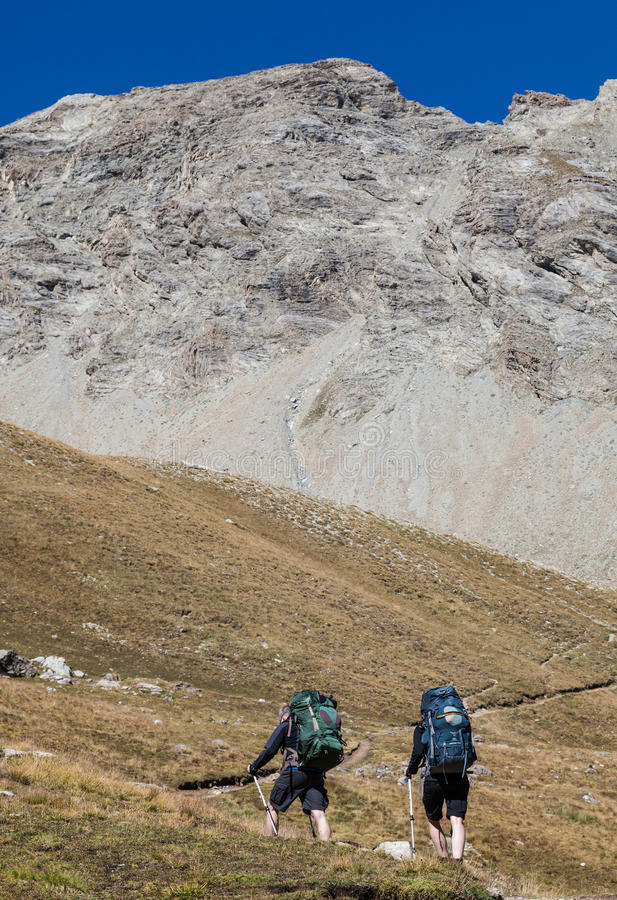 Πεζοπορία στις Άλπεις στοκ εικόνες με δικαίωμα ελεύθερης χρήσης