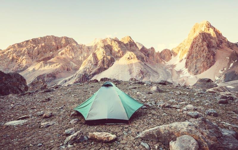 Πεζοπορώ στα βουνά Fann στοκ εικόνες