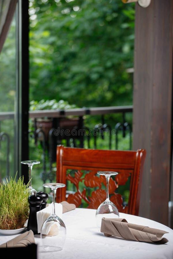Πεζούλι θερινών εστιατορίων στοκ φωτογραφία με δικαίωμα ελεύθερης χρήσης