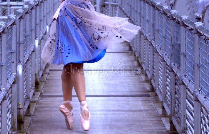 πεζός γεφυρών ballerina στοκ φωτογραφίες με δικαίωμα ελεύθερης χρήσης