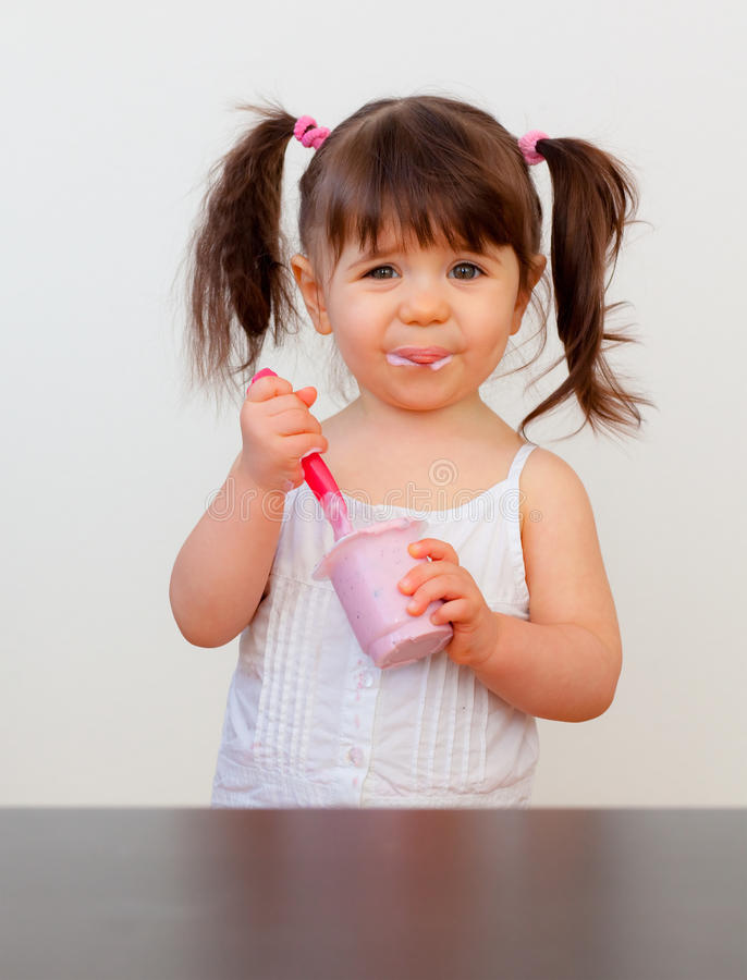 Πεινασμένο παιδί στοκ φωτογραφία με δικαίωμα ελεύθερης χρήσης