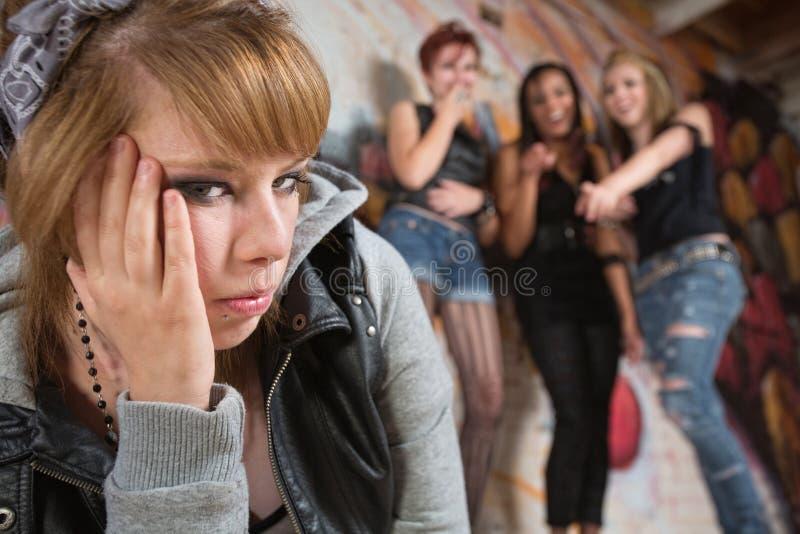 Πειράζοντας έφηβος ομάδας στοκ φωτογραφία με δικαίωμα ελεύθερης χρήσης