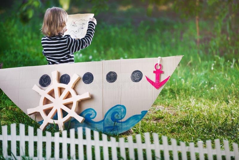 Πειρατής παιχνιδιών παιδιών στοκ φωτογραφία με δικαίωμα ελεύθερης χρήσης