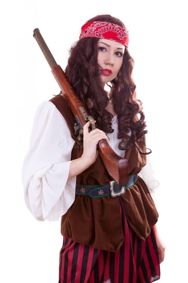 Πειρατής gilr με το πυροβόλο όπλο στο άσπρο υπόβαθρο στοκ φωτογραφίες με δικαίωμα ελεύθερης χρήσης