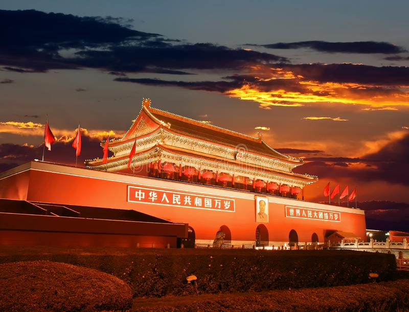 Πεκίνο Tiananmen στο ηλιοβασίλεμα στοκ φωτογραφία