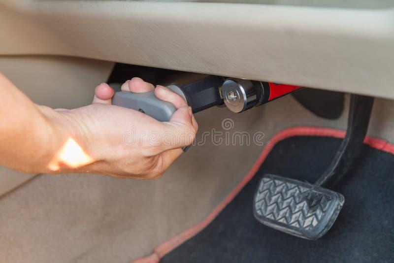 Πεντάλι φρένων κλειδαριών του αυτοκινήτου στοκ εικόνα