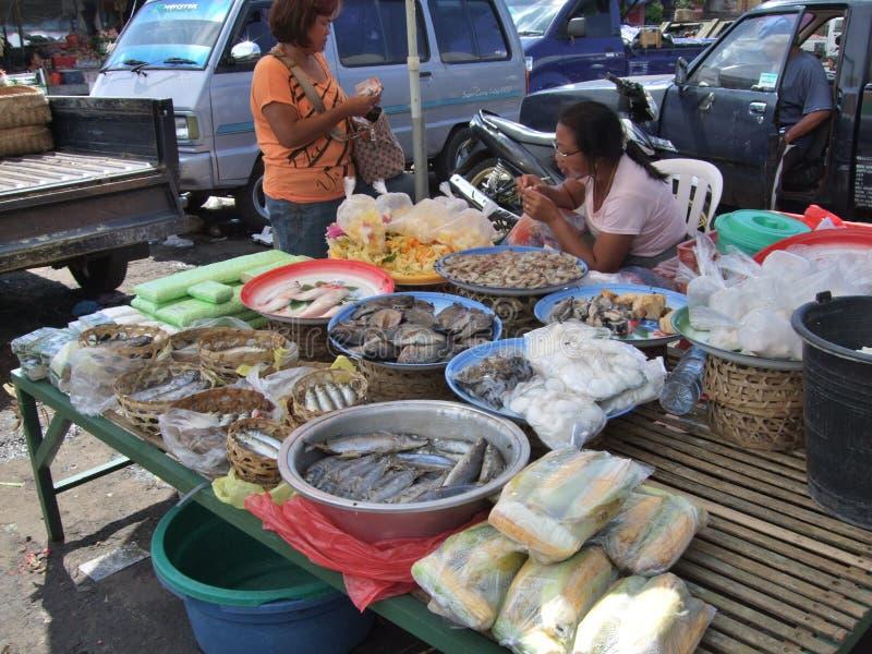 Περίοδοι ανοικτής αγοράς που πωλούν νωπά συστατικά τροφίμων στην Ινδονησία στοκ εικόνες με δικαίωμα ελεύθερης χρήσης