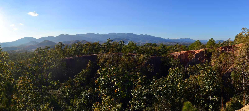Περίπατοι φύσης του τοπικού LAN Kong στοκ εικόνες