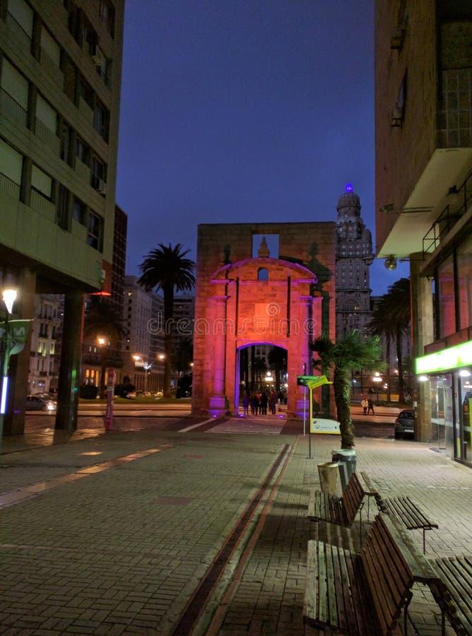 Περίπατος νύχτας του Μοντεβίδεο στοκ εικόνες