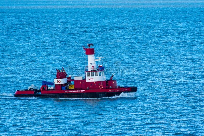 Περίπολοι πυροσβεστικών πλοίων φυλάκων ο κόλπος στοκ φωτογραφίες