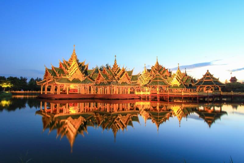 Περίπτερο διαφωτισμένη στο αρχαίο Σιάμ, Samutparkan, Ταϊλάνδη στοκ φωτογραφία με δικαίωμα ελεύθερης χρήσης