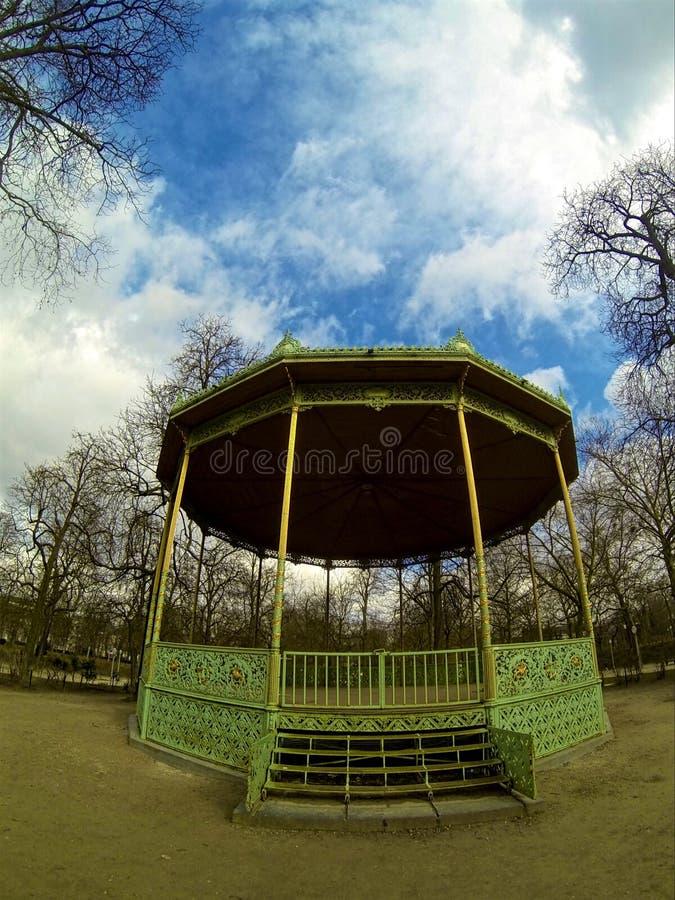 Περίπτερο στο πάρκο στις Βρυξέλλες στοκ φωτογραφίες