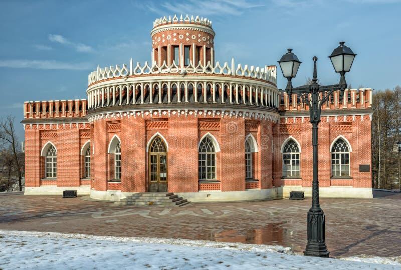 Περίπτερο τούβλου στο πάρκο Tsaritsino Μόσχα στοκ εικόνα