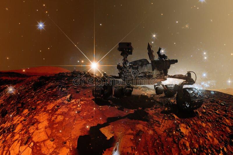 Περιέργεια Άρης Rover που εξερευνά τον πλανήτη επιφάνειας του Άρη ελεύθερη απεικόνιση δικαιώματος
