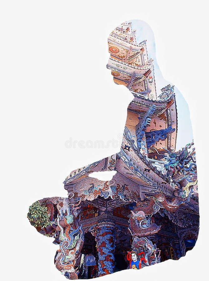 Περιλήψεις ενός μοναχού συνεδρίασης στα πλαίσια της βιετναμέζικης αρχιτεκτονικής, διπλή έκθεση στοκ φωτογραφία με δικαίωμα ελεύθερης χρήσης