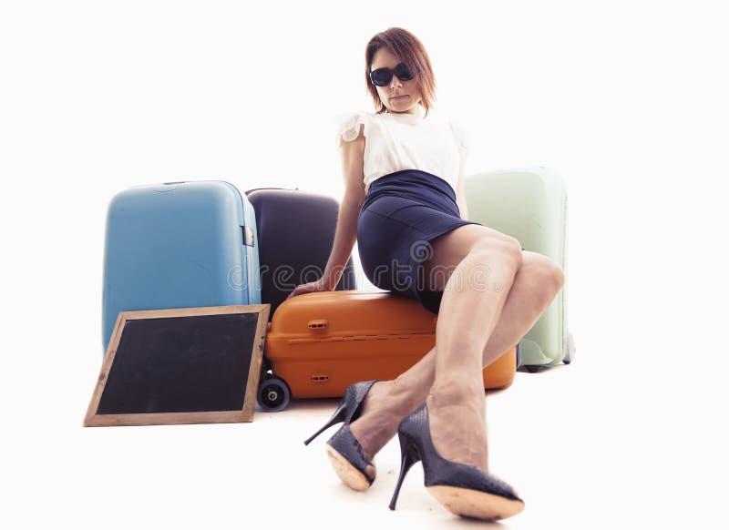 Περιμένοντας συνεδρίαση επιχειρηματιών πέρα από τις βαλίτσες της στοκ εικόνα με δικαίωμα ελεύθερης χρήσης