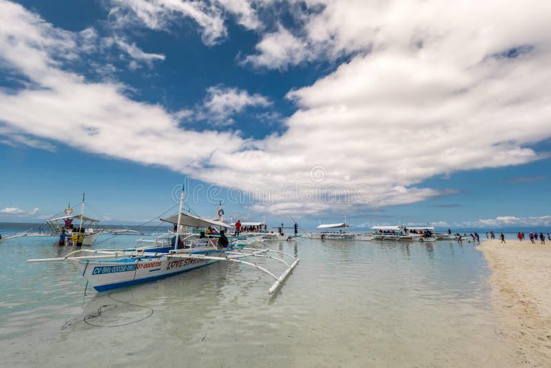 Περιμένοντας τουρίστας βαρκών στο νησί της Virgin, Bohol, Φιλιππίνες στοκ φωτογραφία με δικαίωμα ελεύθερης χρήσης