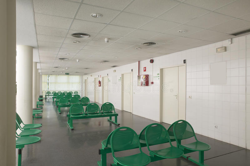 Περιμένοντας δωμάτια περιοχής και χειρουργικών επεμβάσεων στο ιατρικό κέντρο στοκ εικόνες με δικαίωμα ελεύθερης χρήσης