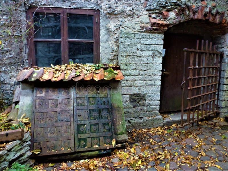 Περιορισμένη πόρτα στο δομινικανό μοναστήρι Αγίου Catherine στοκ φωτογραφίες με δικαίωμα ελεύθερης χρήσης