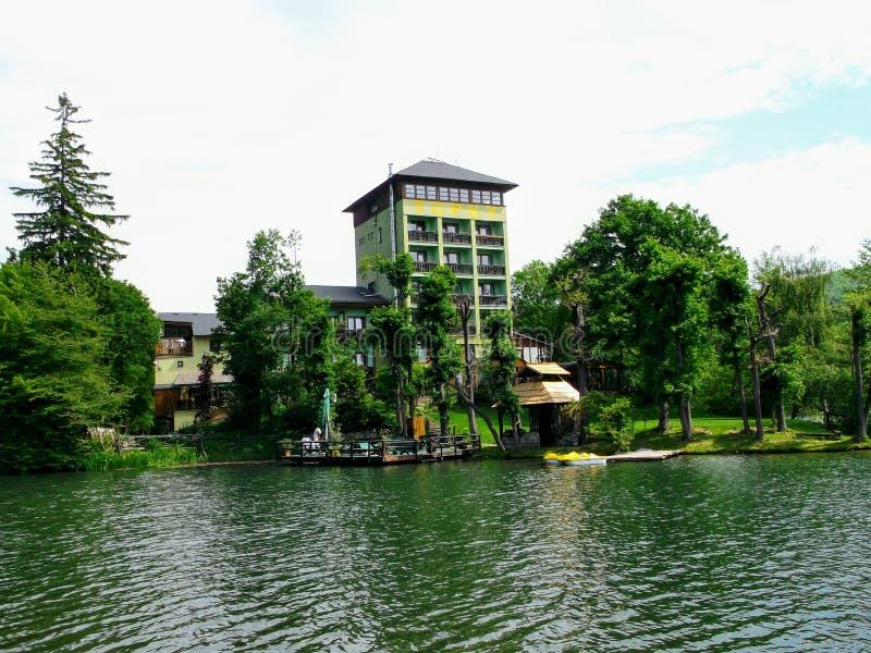 Περιοχή αναψυχής για την κολύμβηση PoÄ  úvadlo κοντά στο tiavnica Å πόλης Banskà¡ στοκ φωτογραφία