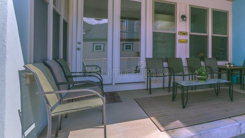 Περιοχή διατάξεων θέσεων πλαισίων πανοράματος στο μέρος ενός σπιτιού με το φεγγίτη στη στέγη στοκ φωτογραφίες με δικαίωμα ελεύθερης χρήσης