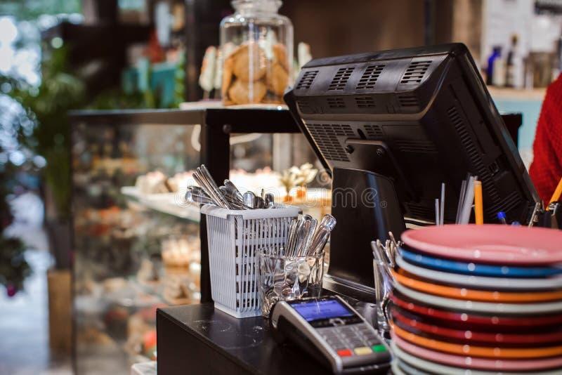 Περιοχή εργασίας στον καφέ στοκ φωτογραφία