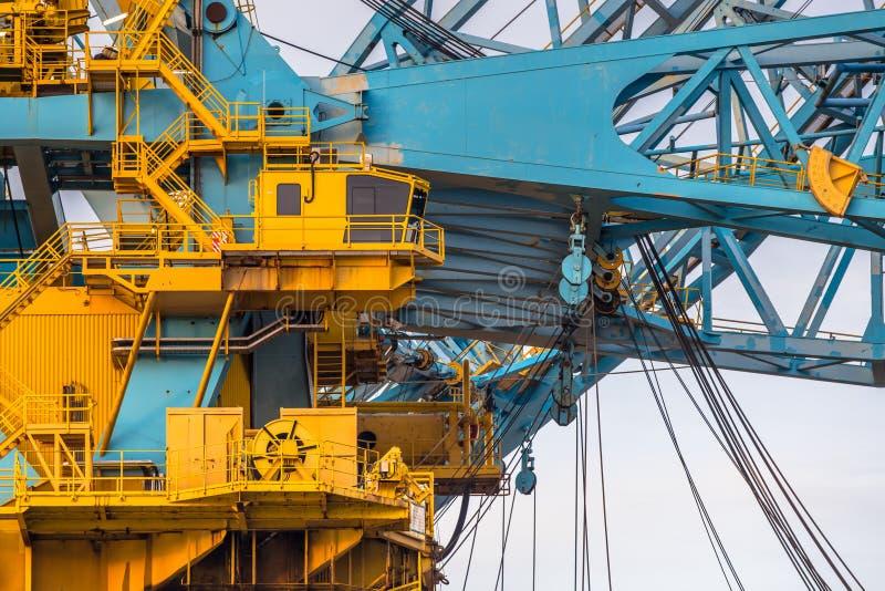 Περιοχή καμπινών ενός τεράστιου σκάφους γερανών στοκ φωτογραφία με δικαίωμα ελεύθερης χρήσης