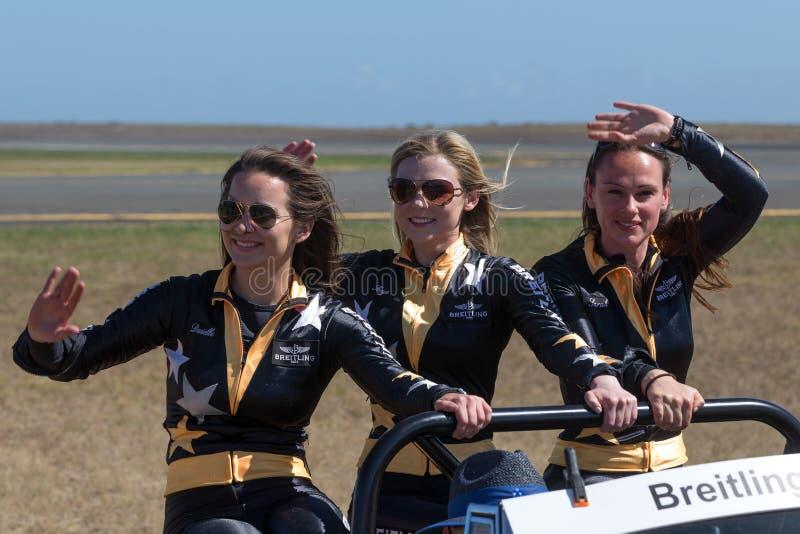 Περιπατητές φτερών Breitling Danielle Hughes, Freya Paterson και βυρσοδέψης της Sarah στοκ εικόνες