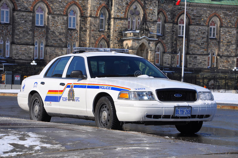 Περιπολικό της Αστυνομίας Βικτώριας κορωνών RCMP Ford στην Οττάβα, Καναδάς στοκ εικόνα