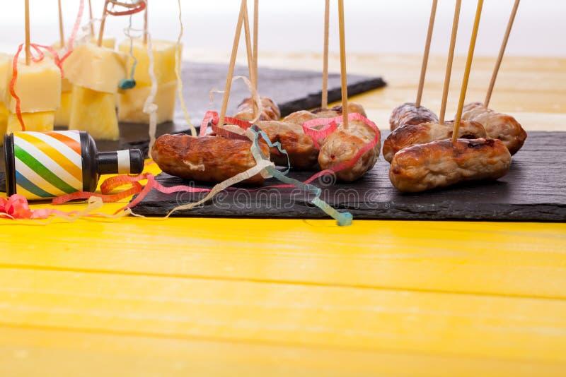 Περισσεύματα τροφίμων κόμματος Αριστερά από μια γιορτή Χριστουγέννων στοκ φωτογραφία με δικαίωμα ελεύθερης χρήσης