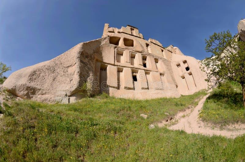 Περιστέρι-σπίτια στους βράχους, vadisi Guvercin, Cappadocia, διάσημο ορόσημο, Τουρκία στοκ εικόνες