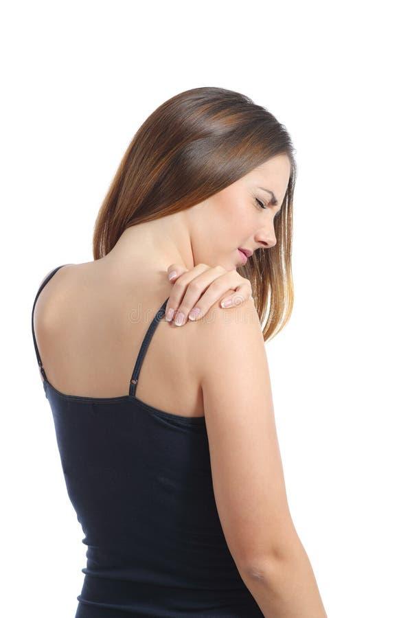 Περιστασιακή γυναίκα που υφίσταται τον πόνο ώμων στοκ εικόνες με δικαίωμα ελεύθερης χρήσης