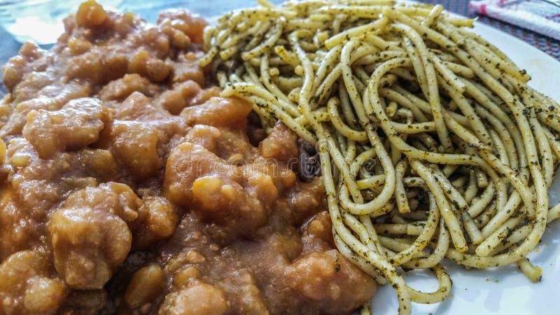 Περουβιανά τρόφιμα: Sopa Seca στοκ φωτογραφία