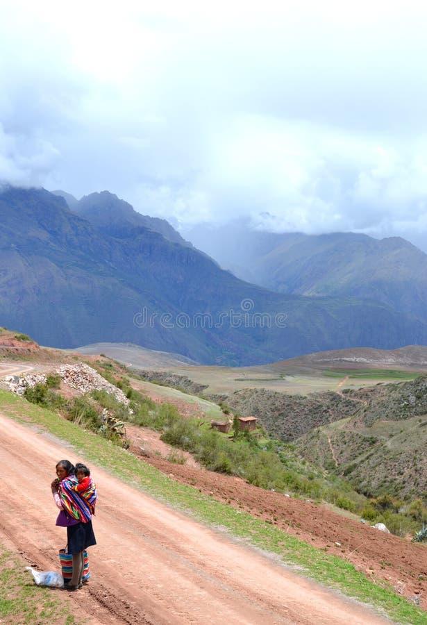 περουβιανή περπατώντας γ&u στοκ φωτογραφία