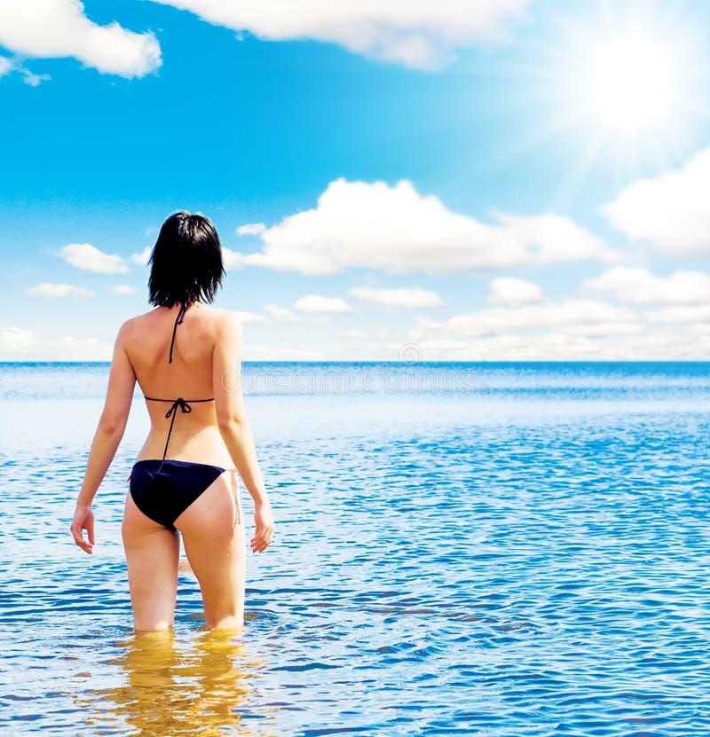 περπάτημα θάλασσας ευτυ στοκ εικόνες