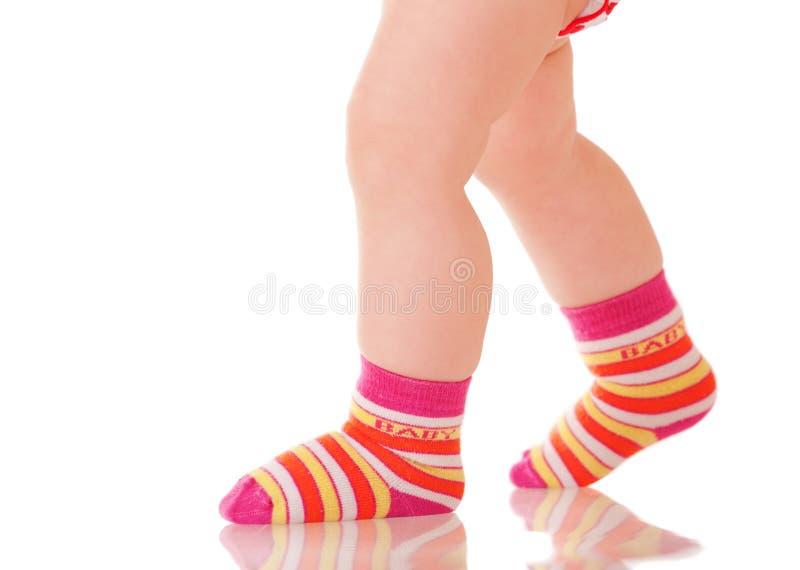 περπάτημα ποδιών μωρών στοκ εικόνες