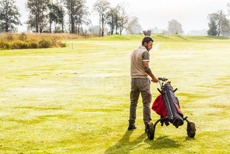 Περπατώντας φορέας γκολφ στοκ φωτογραφίες με δικαίωμα ελεύθερης χρήσης