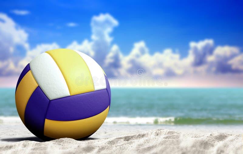 Πετοσφαίριση στην παραλία με την ανοικτή θάλασσα και το νεφελώδη μπλε ουρανό στοκ φωτογραφία με δικαίωμα ελεύθερης χρήσης