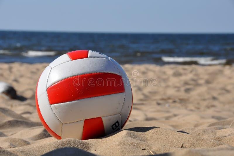 Πετοσφαίριση στην παραλία στοκ φωτογραφίες με δικαίωμα ελεύθερης χρήσης