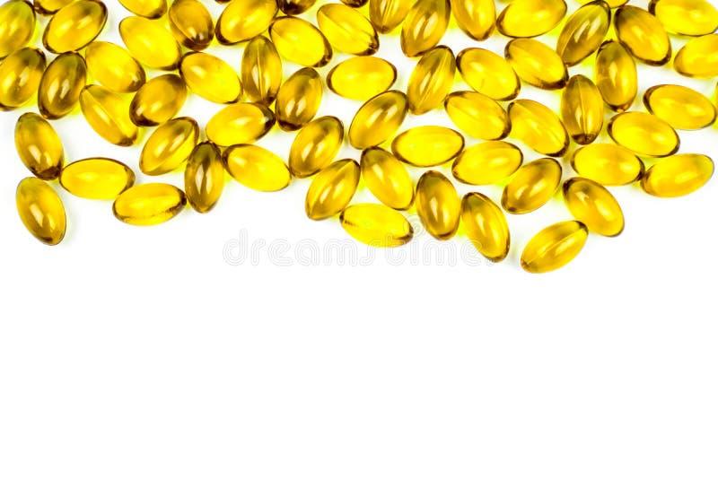 Πετρέλαιο ψαριών στη μαλακή κάψα ζελατίνης που απομονώνεται στο άσπρο υπόβαθρο Βιταμίνη και συμπλήρωμα για το protecti υγείας στοκ εικόνα