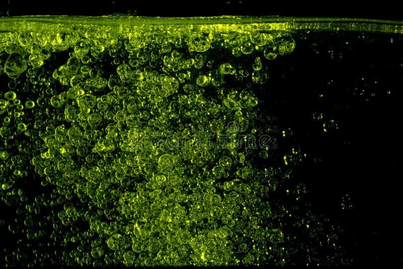 Πετρέλαιο Cajeput στο νερό στοκ εικόνα με δικαίωμα ελεύθερης χρήσης