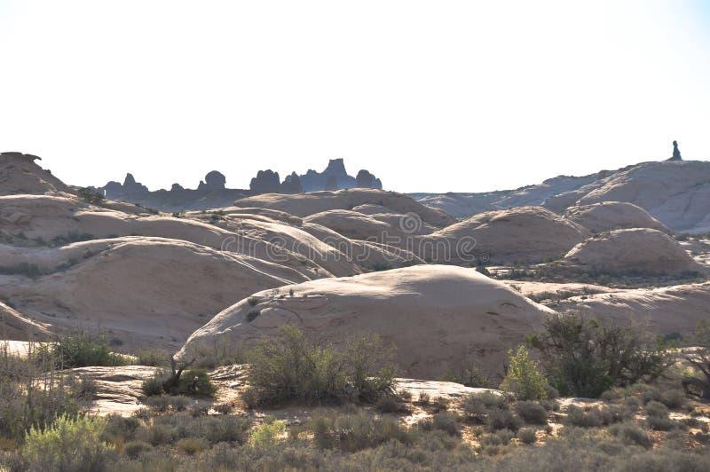 Πετρώνω? αμμόλοφοι άμμου στο εθνικό πάρκο αψίδων, Γιούτα στοκ εικόνα με δικαίωμα ελεύθερης χρήσης